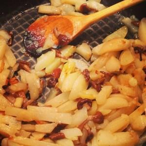 Как пожарить картошку с опятами: рецепты жареного картофеля