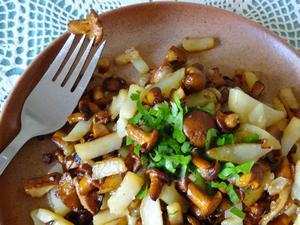 Как пожарить картошку с опятами: рецепт