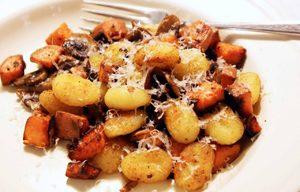 Как жарить картошку с опятами: рецепт